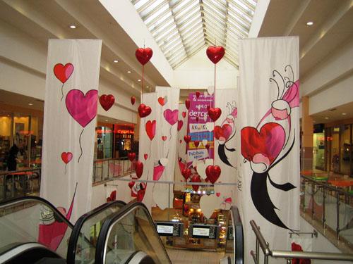 Украшение ТЦ  ко Дню Влюбленных