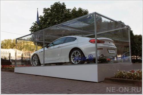 Изготовление подиумов для оформления точек продаж авто