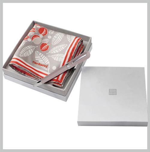 Сувенирный набор в коробочке для ТЭК платок брендированная ручка и упаковка